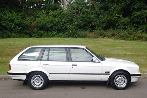 BMW E30 318i TOURING..AUTOMATIC..LOW MILES..FSH SOLD (picture 5 of 6)