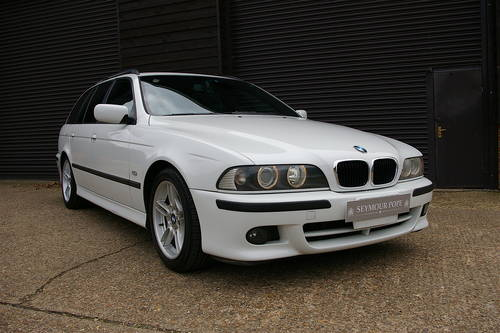 2002 BMW E39 525i Touring Automatic (48,992 miles) SOLD (picture 2 of 6)