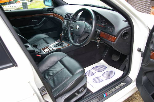 2002 BMW E39 525i Touring Automatic (48,992 miles) SOLD (picture 4 of 6)