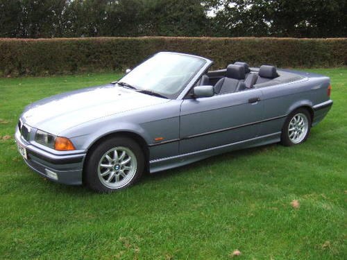 1997 BMW E36 328i Convertible automatic in Samoa Blue For Sale (picture 1 of 6)