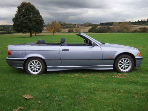 1997 BMW E36 328i Convertible automatic in Samoa Blue For Sale (picture 2 of 6)
