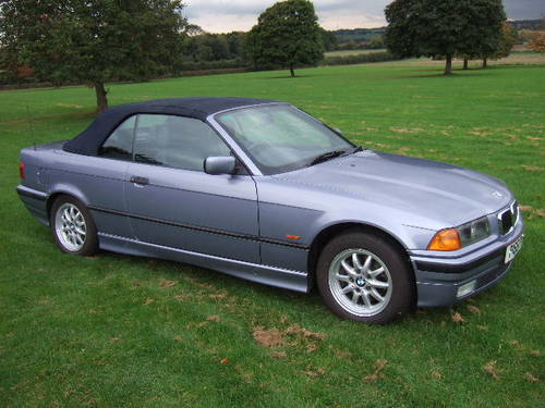 1997 BMW E36 328i Convertible automatic in Samoa Blue For Sale (picture 4 of 6)