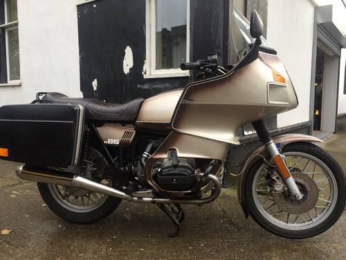 1979 BMW R65, with colour matched RS fairing. SOLD (picture 1 of 6)