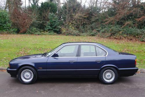 BMW E34 SERIES.. 525i SE AUTO.. RARE ROYAL BLUE.. TOP SPEC SOLD (picture 1 of 6)