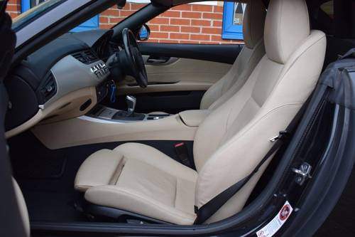 2010 BMW Z4 sDrive 23i Roadster 6-Speed Manual SOLD (picture 6 of 6)