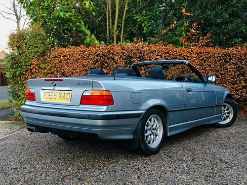1998 BMW E36 328I CONVERTIBLE - LOW MILEAGE MODERN CLASSIC SOLD (picture 3 of 6)