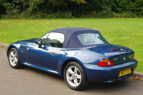BMW Z3 ROADSTER..RARE INDIVIDUAL SPEC.. LOW MILES..FSH SOLD (picture 5 of 6)
