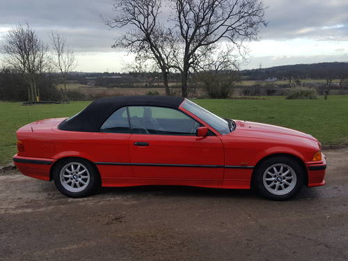 1998 BMW E36 318 Convertible 5 speed Manual For Sale (picture 4 of 6)