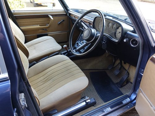 1976 BMW 3.0Si E3 RHD For Sale (picture 2 of 6)