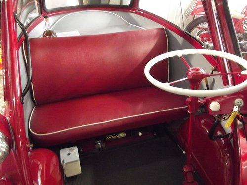 1958  BMW ISETTA 300 LHD BUBBLECAR (rare semi-auto version) SOLD (picture 4 of 6)