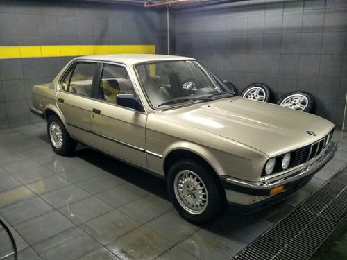 1985 Time capsule E30 318i For Sale (picture 2 of 6)