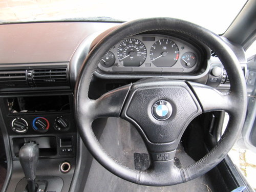 1997  BMW Z3 CONVERTIBLE 1.9 AUTOMATIC RARE COLOUR LEATHER FSH   For Sale (picture 5 of 6)