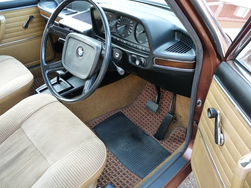 1976 BMW 525 E12 automatic, outstanding, SOLD SOLD (picture 3 of 6)