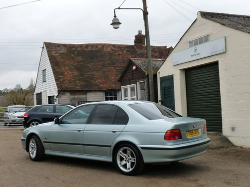 1999 BMW 535i Automatic, E39, immaculate SOLD (picture 2 of 6)