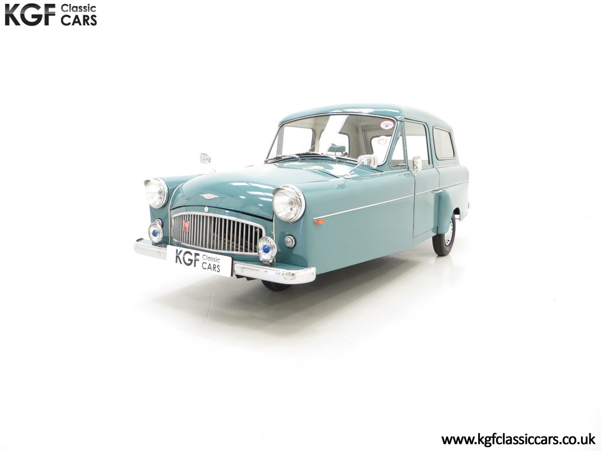 1966 A Professionally Restored Bond Minicar 250 G Estate For Sale (picture 2 of 6)