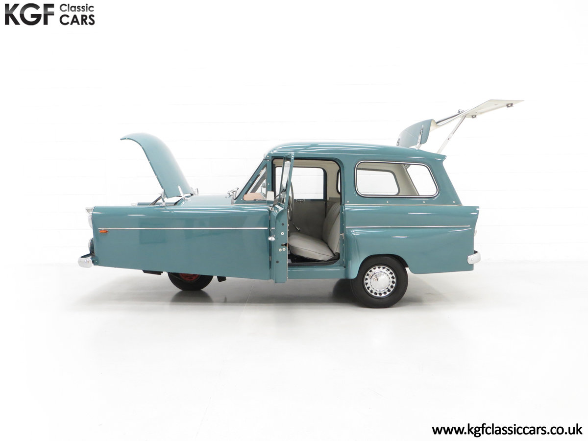 1966 A Professionally Restored Bond Minicar 250 G Estate For Sale (picture 3 of 6)