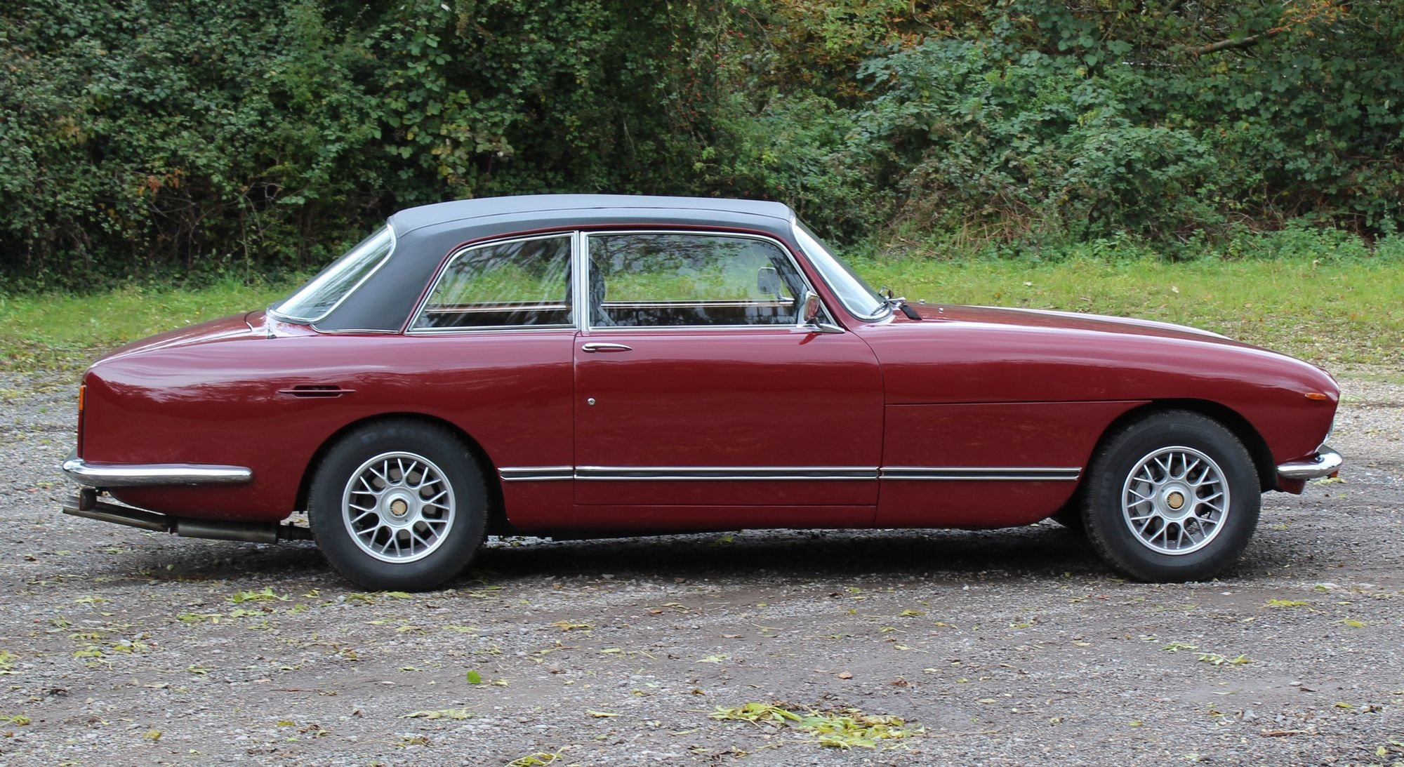 1975 Bristol 411 S5 For Sale (picture 3 of 6)