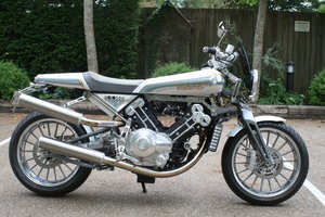 FANTASTIC SS100 MKI IN PEARL WHITE & GOLD LEAF