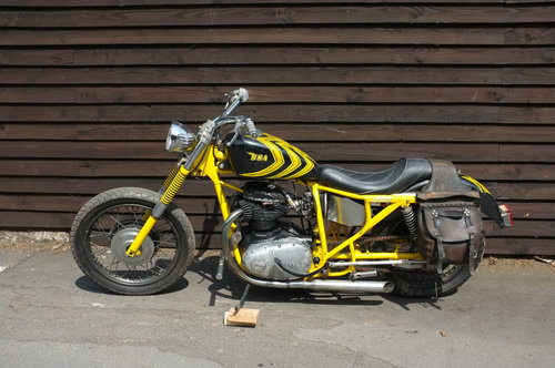 BSA BSA A50 Royal Star 1969 Chopper Bobber Soft tail US BARN SOLD (picture 2 of 6)