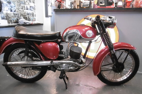 1969 BSA Bantam sport 175  correct and tidy  SOLD (picture 1 of 6)