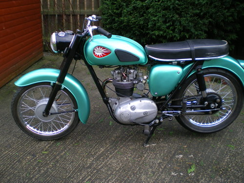1959 BSA C15  250cc , beautiful condition , lots spent !!         SOLD (picture 4 of 6)