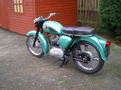 1959 BSA C15  250cc , beautiful condition , lots spent !!         SOLD (picture 5 of 6)