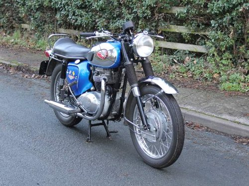 1968 Early BSA A65 Thunderbolt, Fully rebuilt to show standard For Sale (picture 1 of 6)