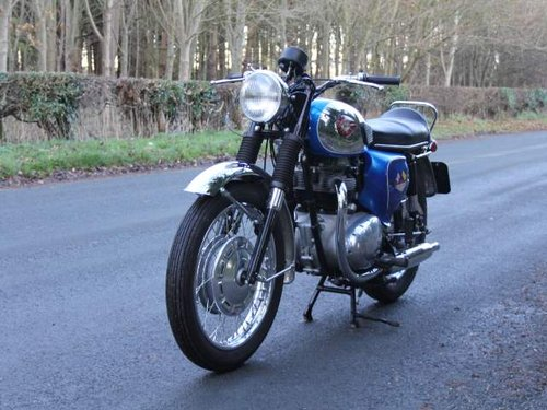 1968 Early BSA A65 Thunderbolt, Fully rebuilt to show standard For Sale (picture 2 of 6)