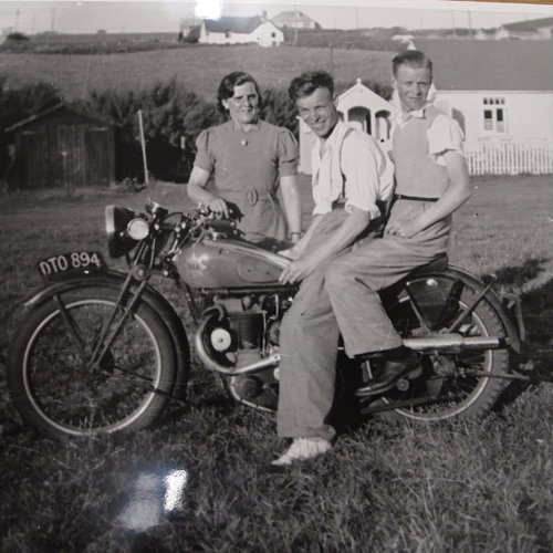 1937 BSA B24 O.H.V. 350cc RESERVED FOR RICHARD. SOLD (picture 3 of 6)
