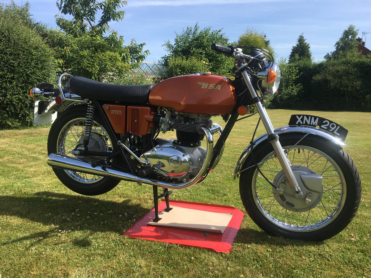1972 FOR SALE BSA A65 LIGHTENING 650 For Sale (picture 1 of 6)