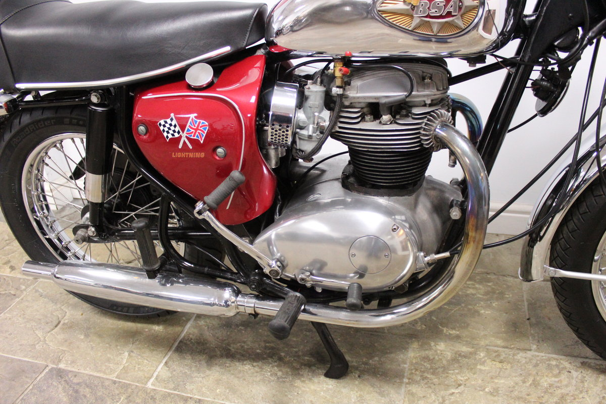 1966 BSA A65 Lightning 650cc Twin  BEAUTIFUL  SOLD (picture 2 of 6)