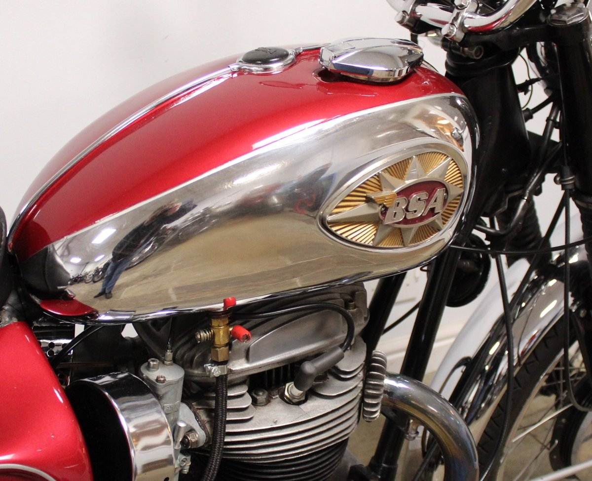 1966 BSA A65 Lightning 650cc Twin  BEAUTIFUL  SOLD (picture 4 of 6)