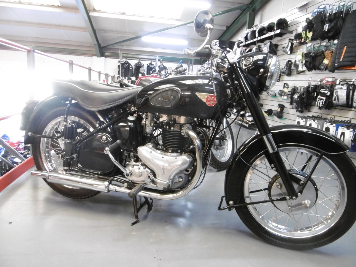 1952 BSA Gold flash STUNNING NUT AND BOLT RESTORATION  For Sale (picture 1 of 6)