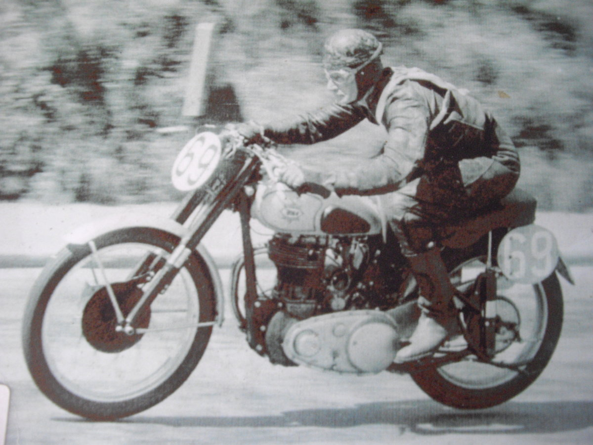 1952 BSA Gold Star ZB32 Clubmans, TT History For Sale (picture 1 of 6)