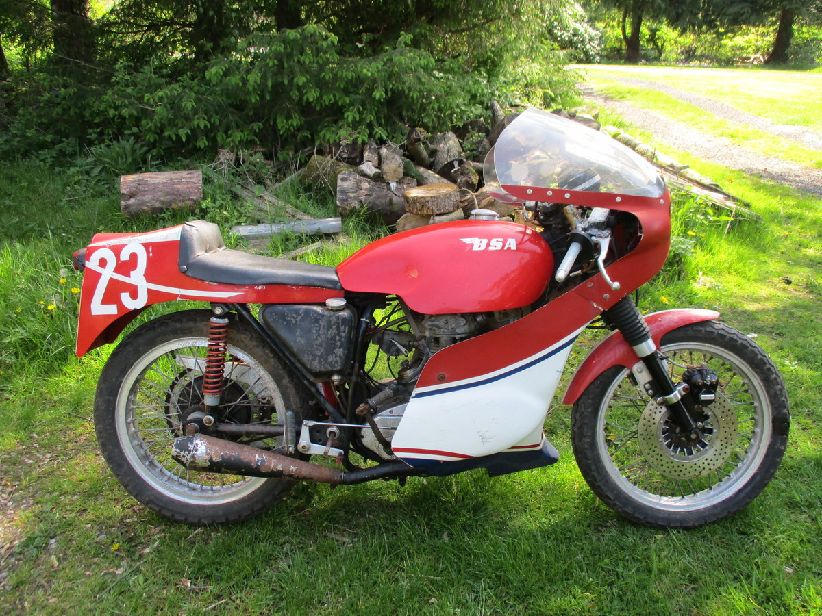 1969 BSA C15 in Racing Trim. Period racer.Barn Find For Sale (picture 1 of 6)