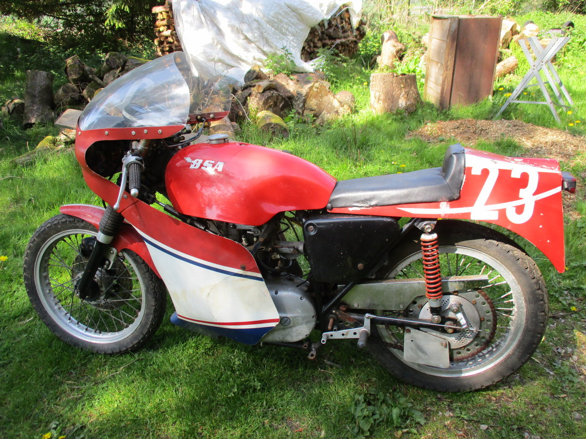 1969 BSA C15 in Racing Trim. Period racer.Barn Find For Sale (picture 2 of 6)