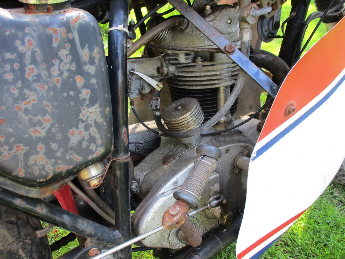 1969 BSA C15 in Racing Trim. Period racer.Barn Find For Sale (picture 3 of 6)