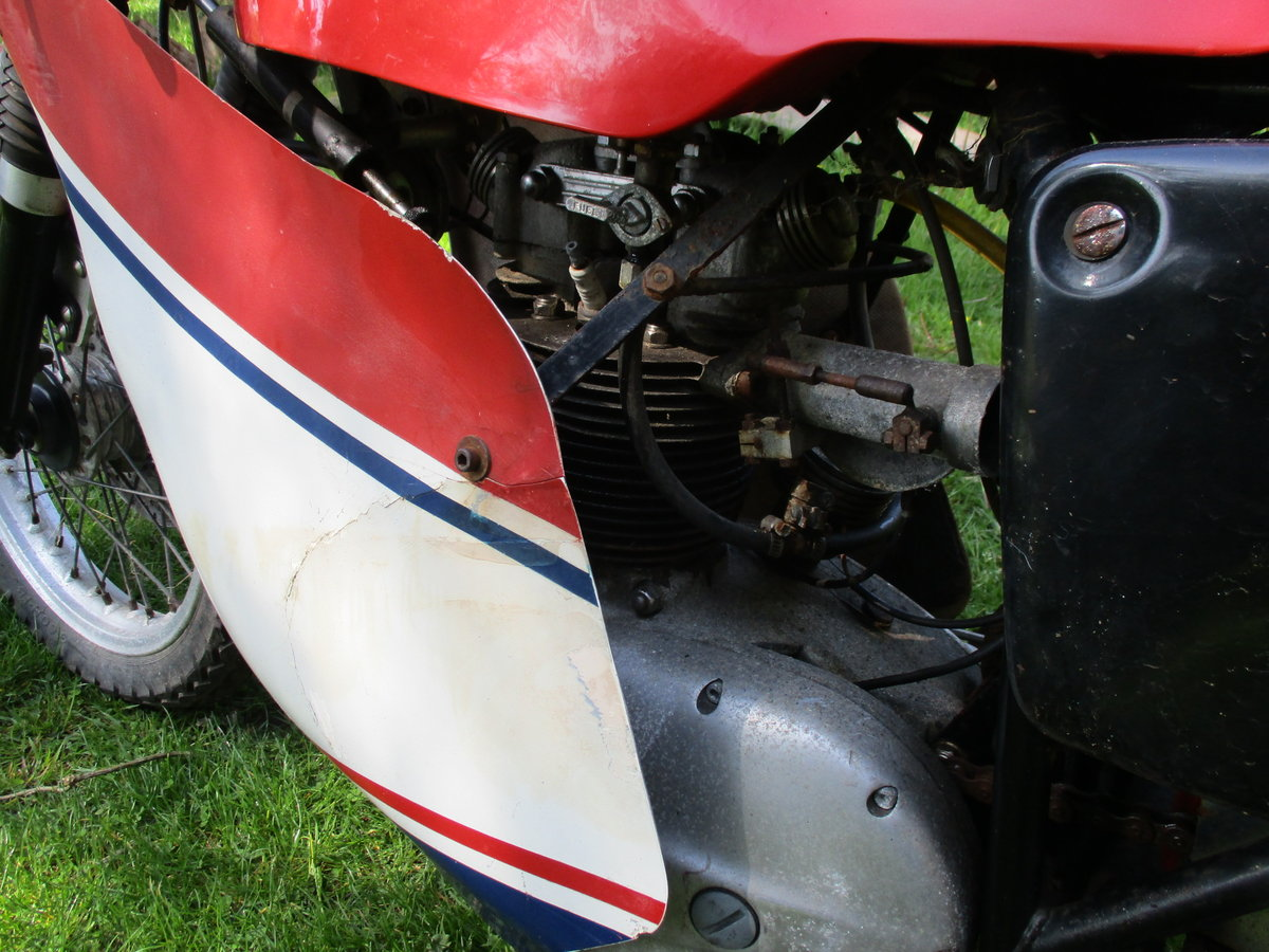 1969 BSA C15 in Racing Trim. Period racer.Barn Find SOLD (picture 4 of 6)