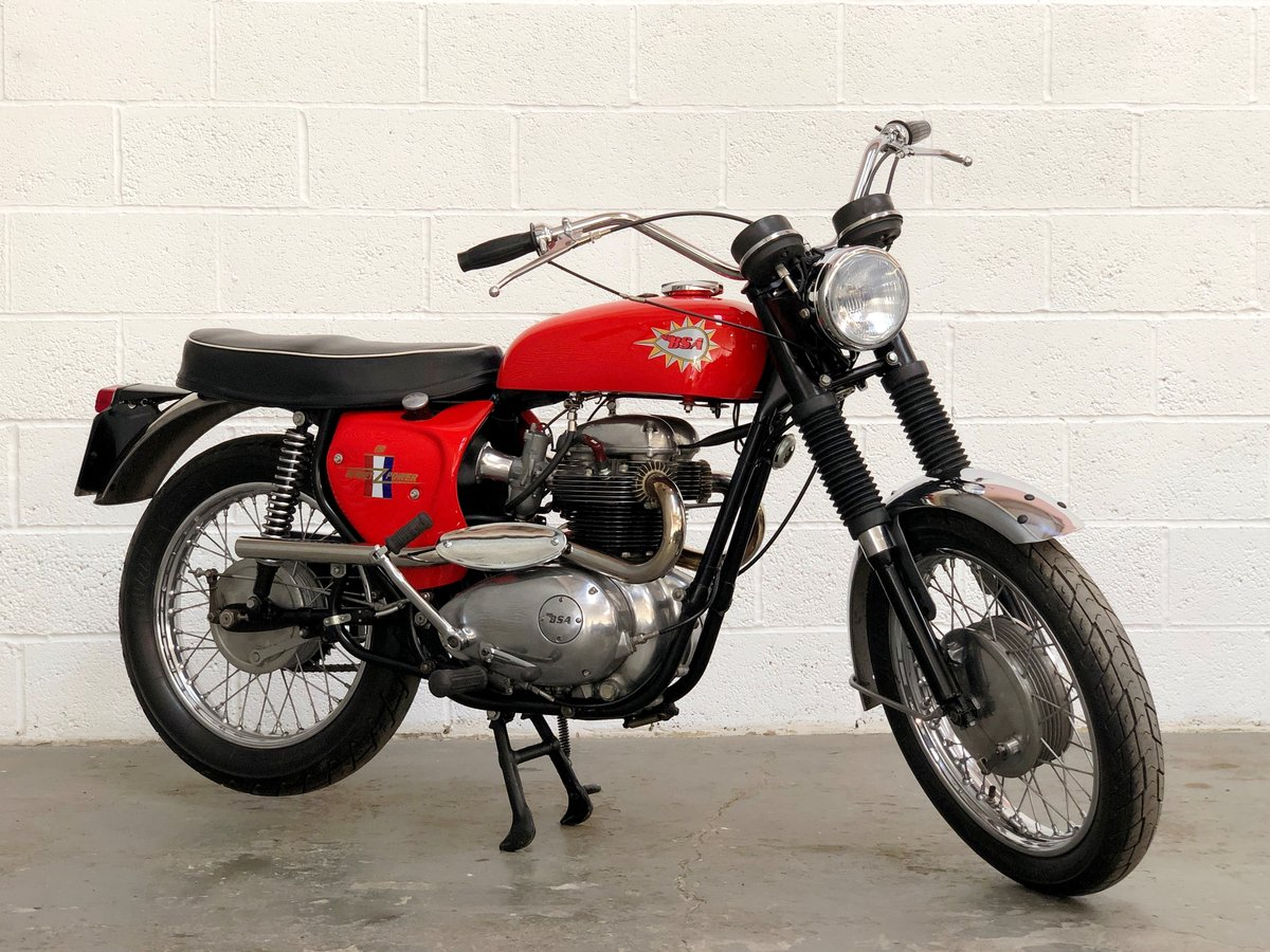 BSA Hornet Replica 1965 650cc Excellent Condition  SOLD (picture 1 of 6)