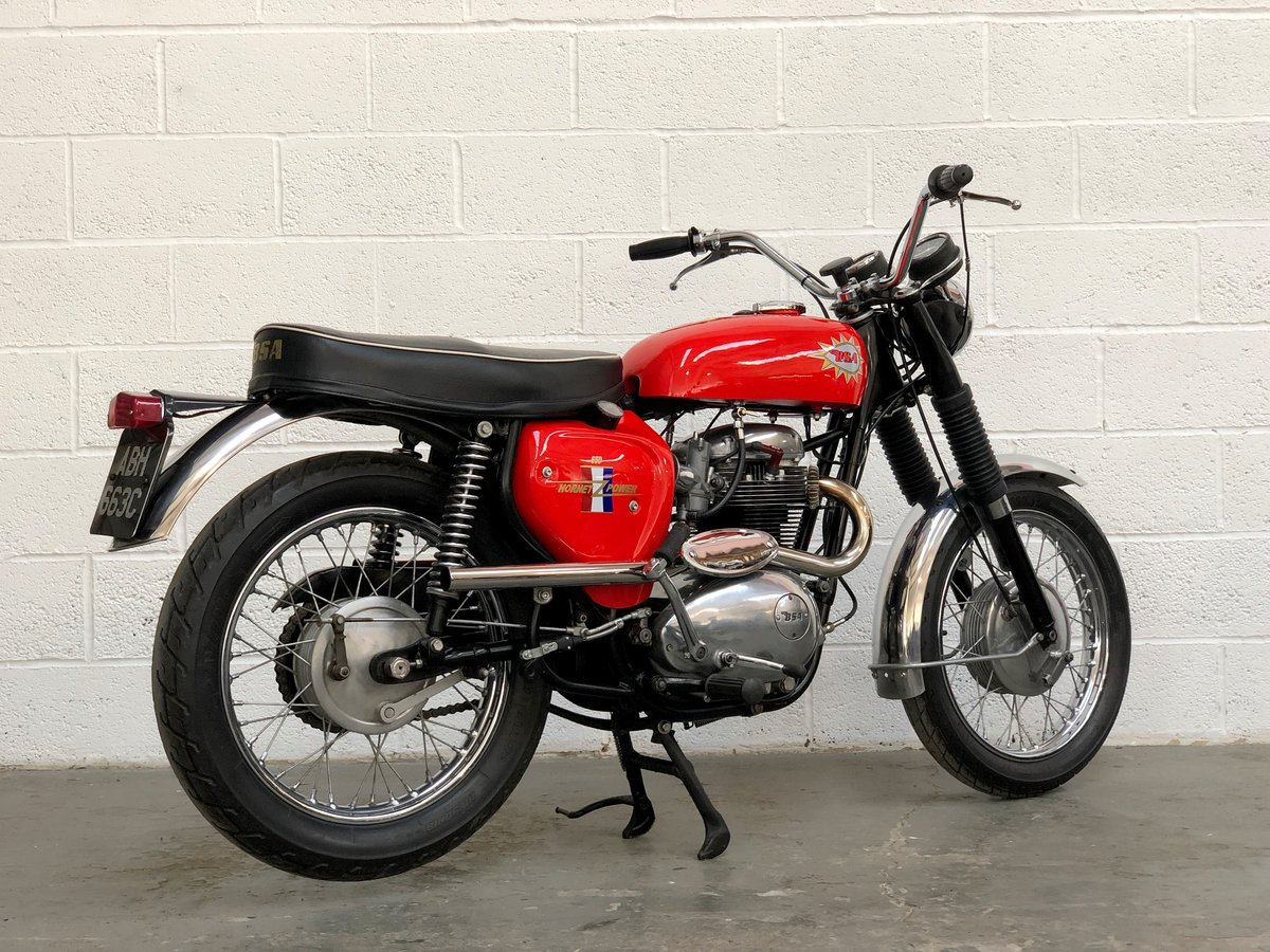 BSA Hornet Replica 1965 650cc Excellent Condition  SOLD (picture 3 of 6)