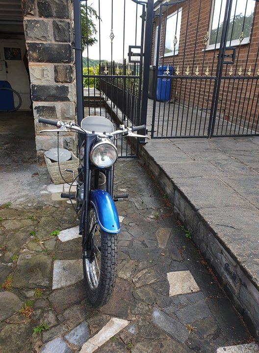 1968 Blue and Silver BSA Bantam in Excellent Condition For Sale (picture 2 of 2)