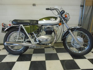 Stunning 1971 BSA Thunderbolt For Sale