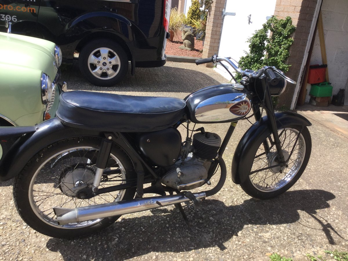 1961 BSA bantam 175. For Sale (picture 3 of 6)