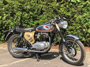 1965 BSA A65L Lightning Clubman 650 Replica