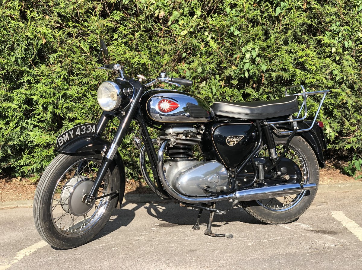 BSA Thunderbolt 650cc 1963 This lovely example For Sale (picture 2 of 6)