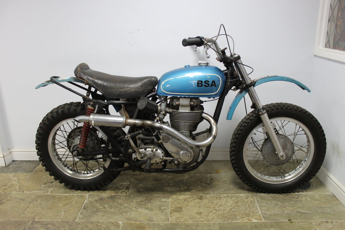 1960 BSA DBD 34 Gold Star Ex Jim Hunter  AMA, No# 1 Plate Holder For Sale (picture 1 of 6)