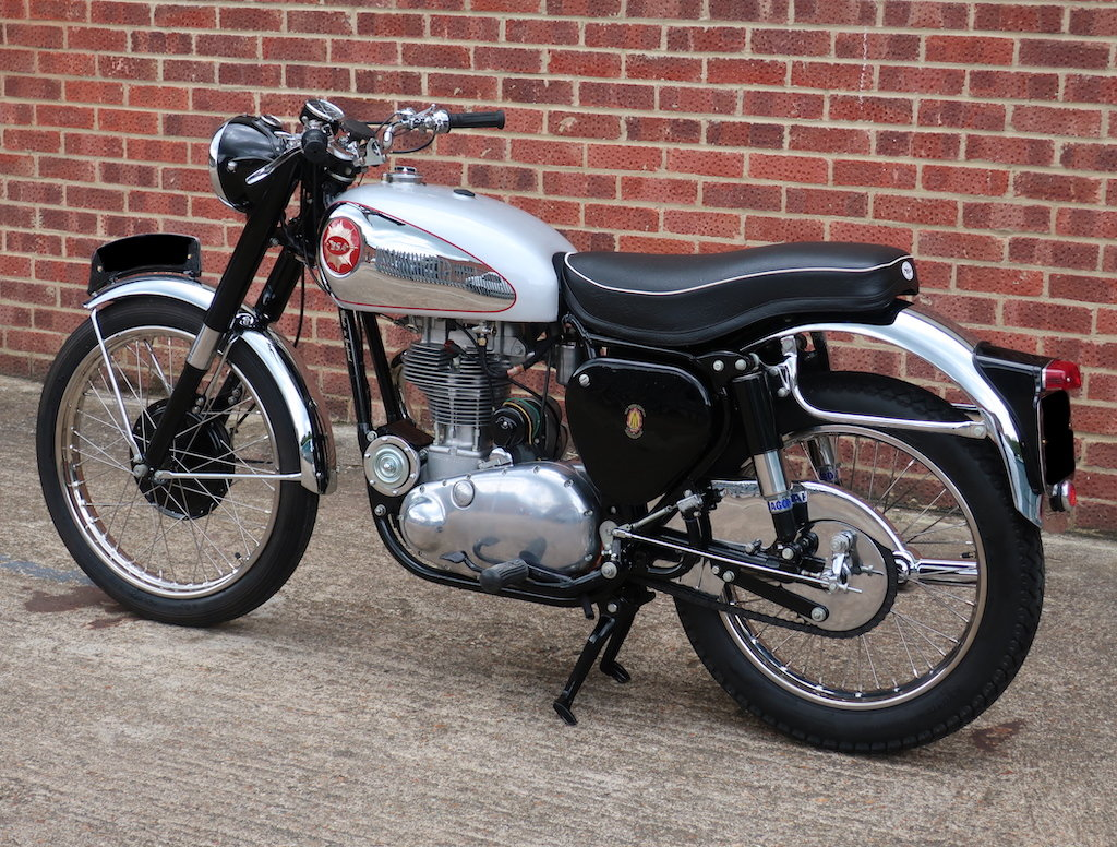1954 BSA Gold Star 350cc 'featured in the ITV motorbike show' For Sale (picture 4 of 6)
