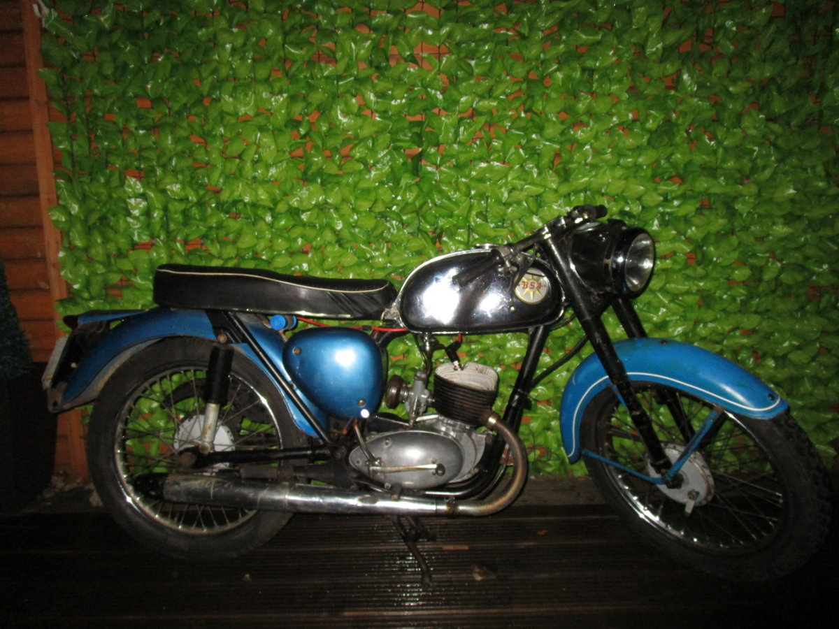 1965 Bsa bantam d7 , with v5, project bike SOLD (picture 1 of 6)