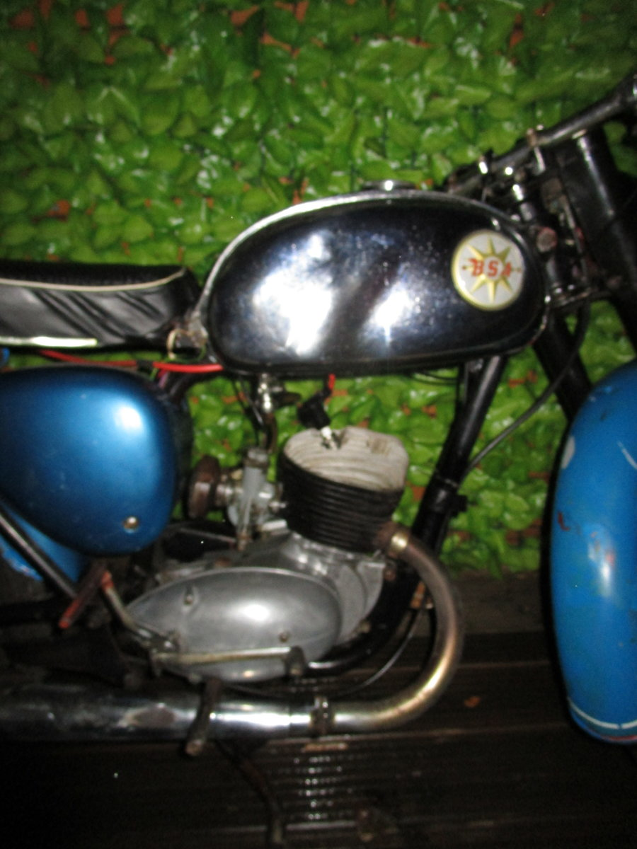 1965 Bsa bantam d7 , with v5, project bike SOLD (picture 5 of 6)