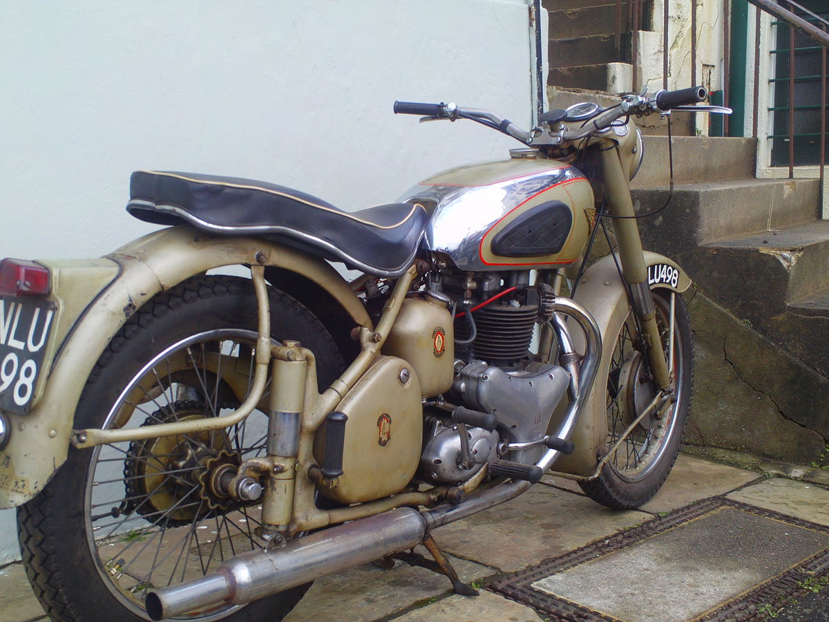 1953 BSA A10 GOLDEN  SOLD (picture 2 of 6)